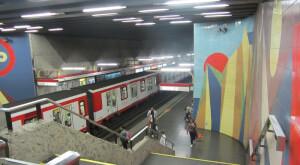 Estacion Los Leones Metro de Santiago